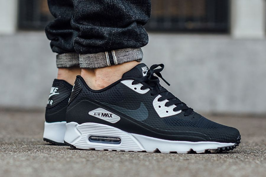 huge selection of 0db1b 167c6 NIKE AIR MAX 90 ULTRA ESSENTIAL