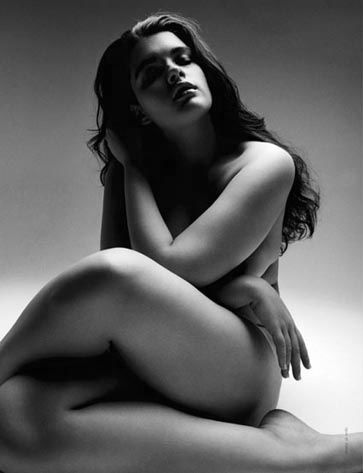 nude pose art women plus size