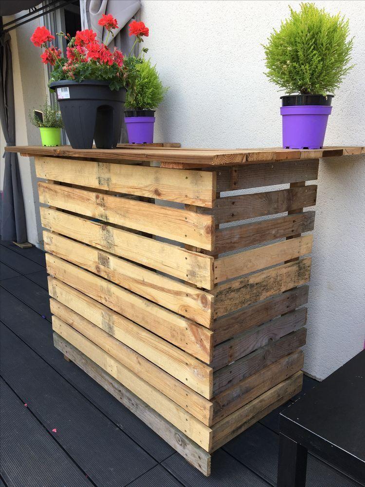 Création du0027un bar extérieur avec palettes et lames de terrasse By