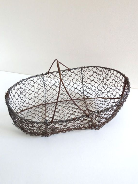 Bon Large Vintage Chicken Wire Basket   Antique Metal Garden Basket