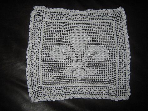 Ravelry: Filet Crochet Fleur-De-Lis Bread Cloth. Free pattern by Dot ...