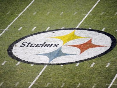 Titans Steelers Football Pittsburgh Pa Steelers Logo On Heinz Field Steelers Football Pittsburgh Steelers Logo Heinz Field