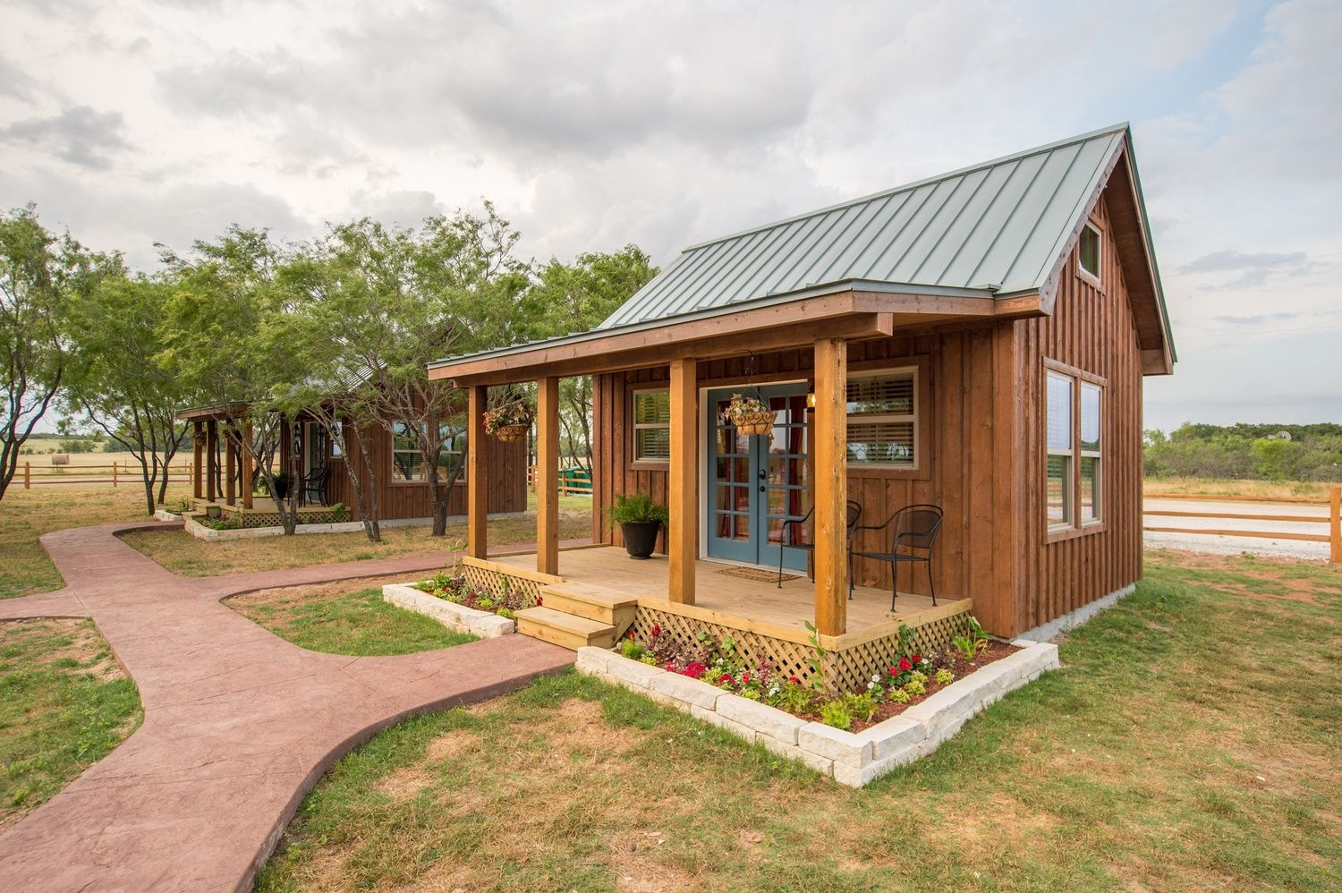 Tiny House Cabin Rental In A Peaceful Rural Setting In