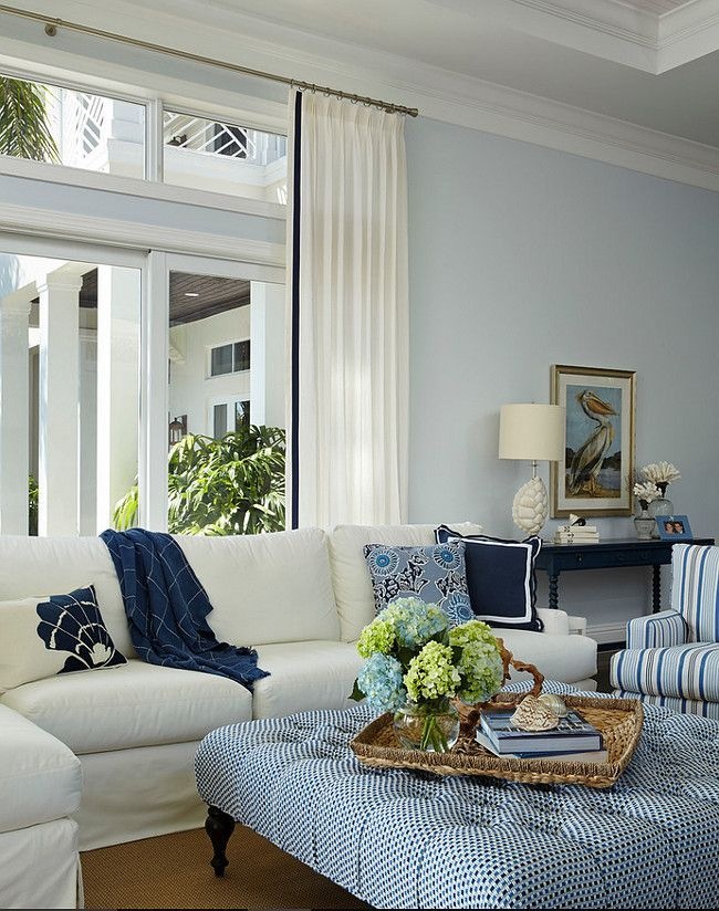 Florida Beach House with Classic Coastal Interiors Home Decor - wohnzimmer blau turkis