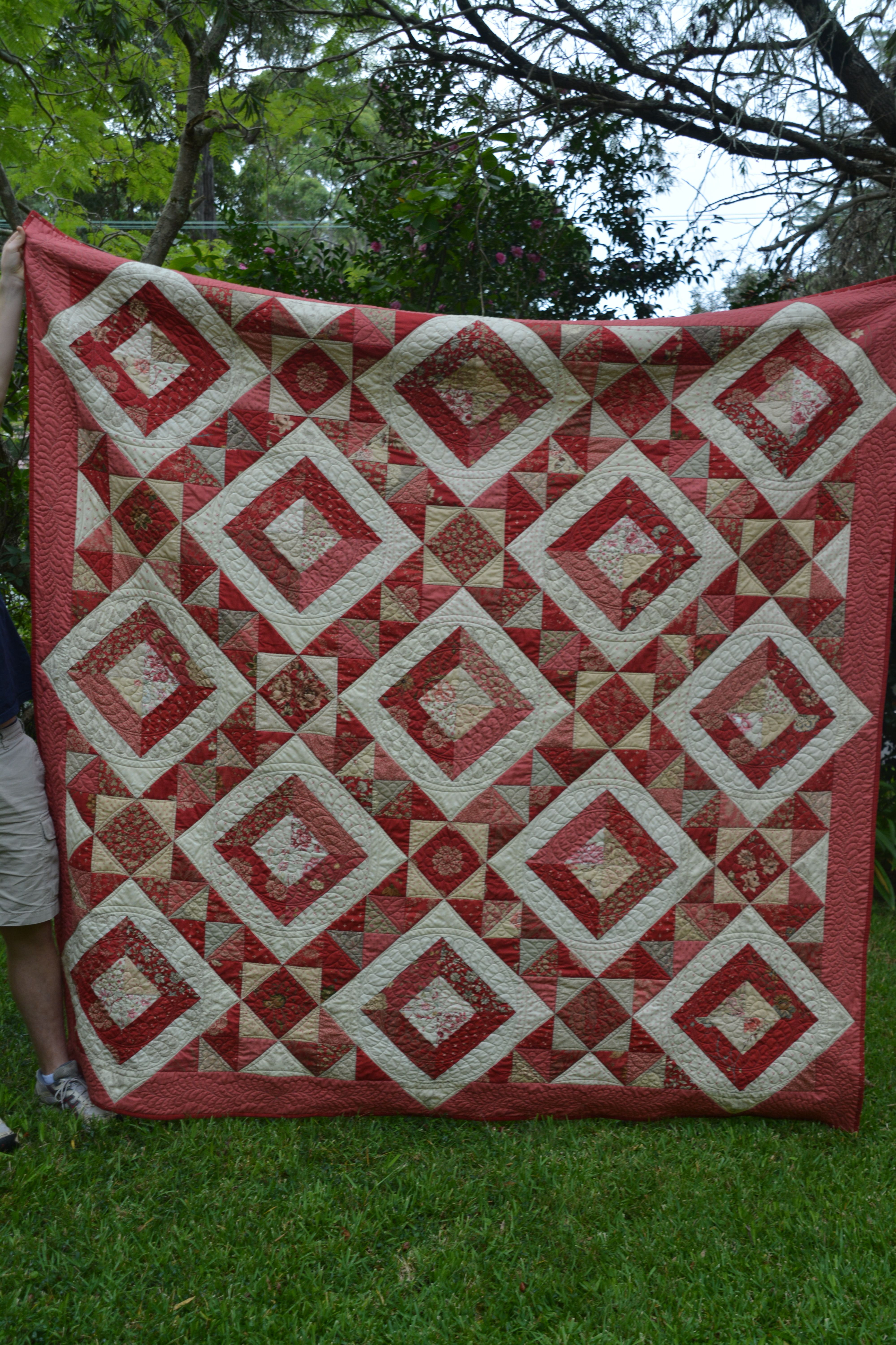 French Kisses quilt pattern by traceyjay quilts using French General Rouennieres Deux fabric. 2.4M square