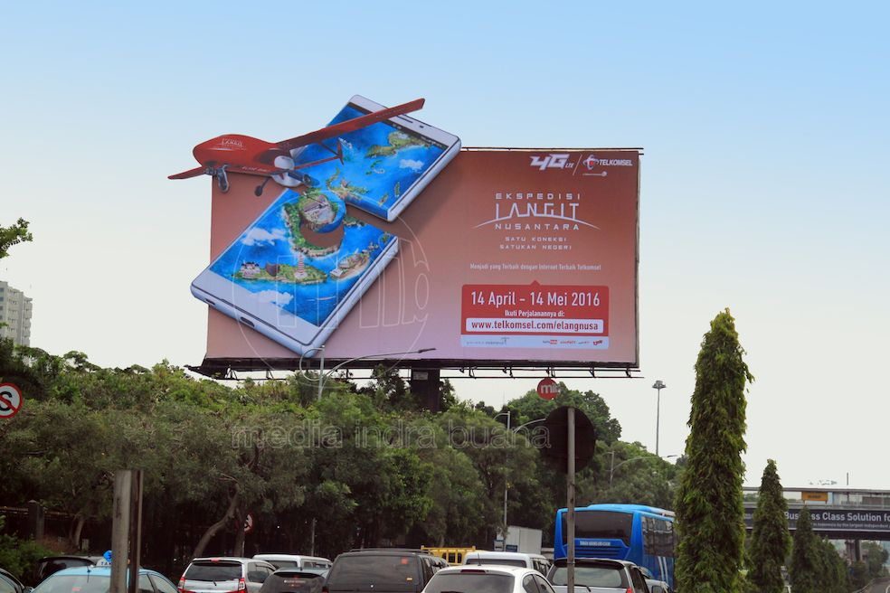 Doble Backlit Diecut Billboard Billboard Fun Fun Slide