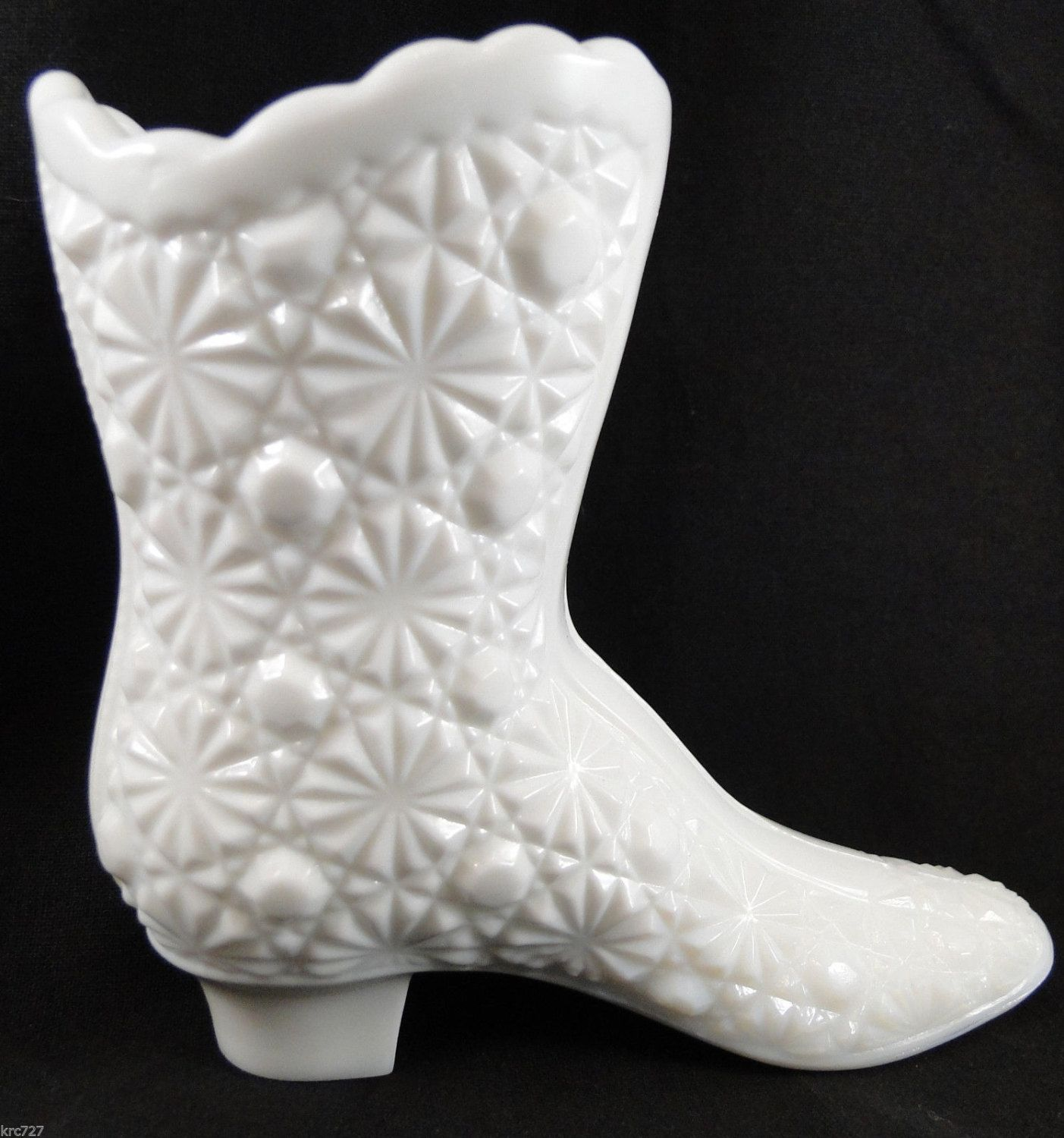 Vintage Fenton Glass White Milk Boot Shoe Daisy Button FREE SHIPPING USA by KRCsCloset on Etsy https://www.etsy.com/listing/207863698/vintage-fenton-glass-white-milk-boot Another thrift shop find!