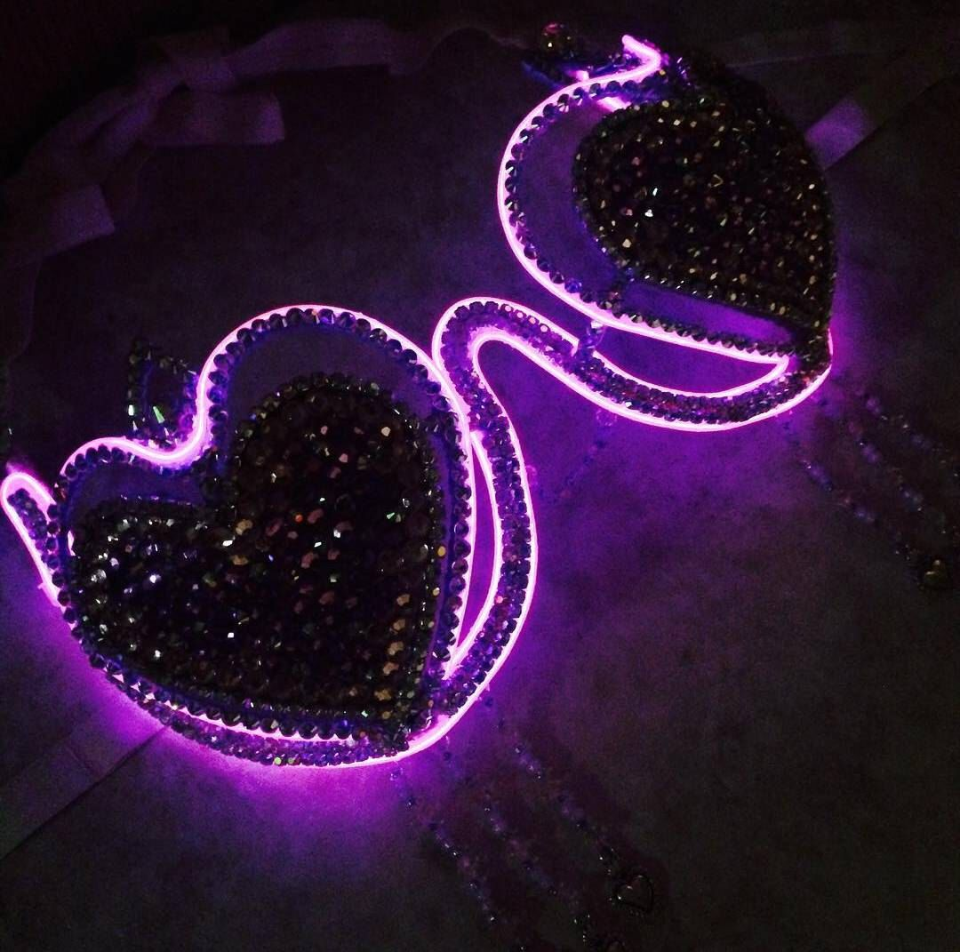 LED Girly Heart Breaker, Queen of Hearts, Trinidad Carnival Outfit ...
