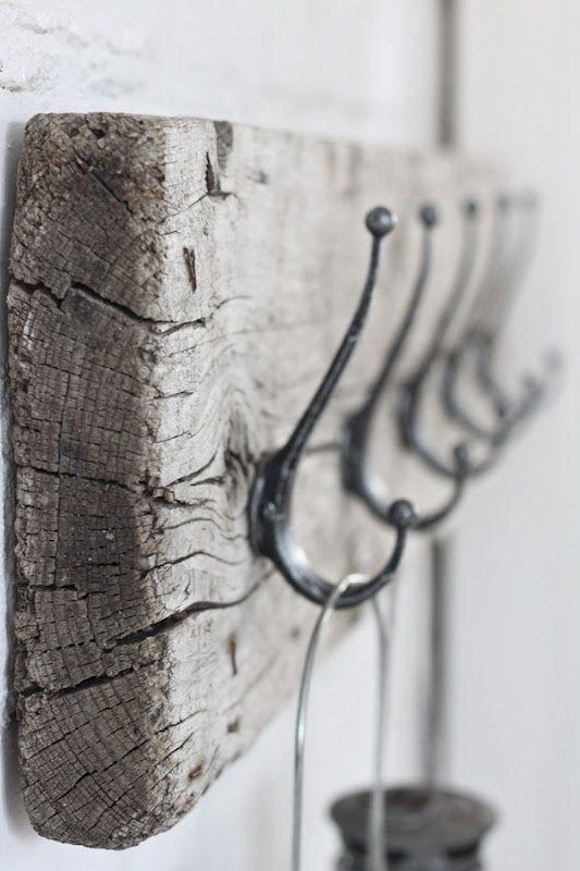 perchero de madera rustico