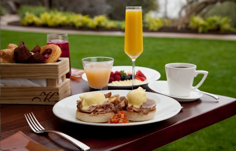 Pamper Mom This Year With Mother S Day Brunch At Four Seasons Hotel Austin Featuring Traditional Mother S Day Brunch Menu Brunch Menu Christmas Brunch Recipes