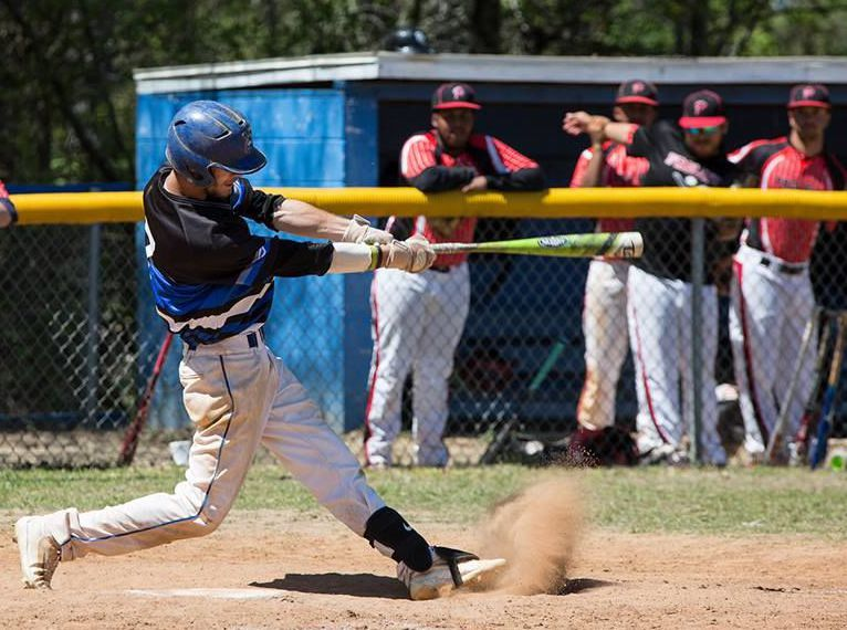 Goose Creek Native Garrett Mack Leads Nation In Hitting At Voorhees College Baseball Tournament College Baseball Baseball