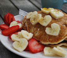 Inspiring picture pancakes, pancake, banana, strawberries, food. Resolution: 500x335 px. Find the picture to your taste!