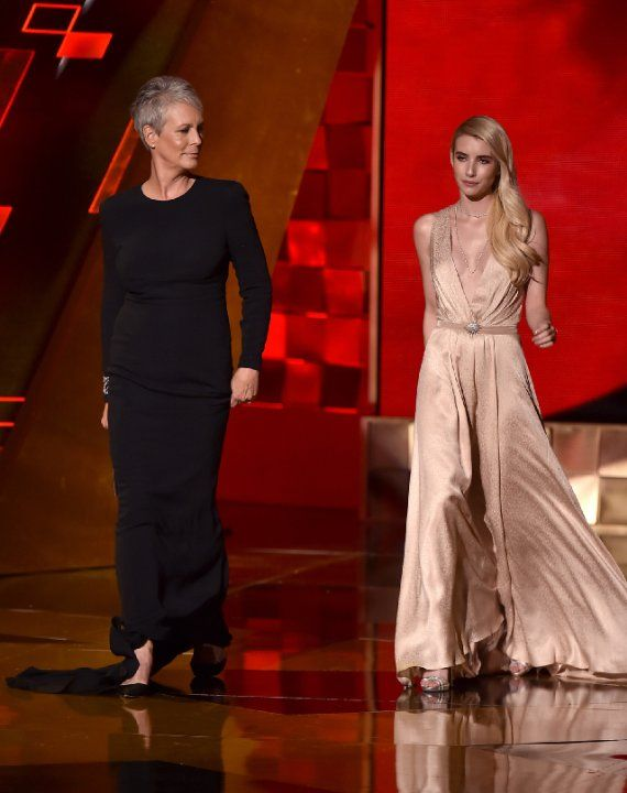 Jamie Lee Curtis and Emma Roberts at The 67th Primetime Emmy Awards (2015)