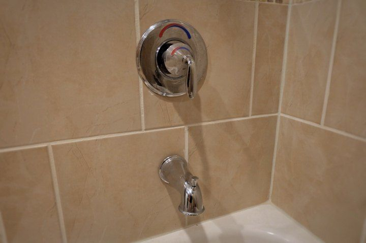 How to Remove a Stuck Tub Filler   Tubs and Remodel bathroom