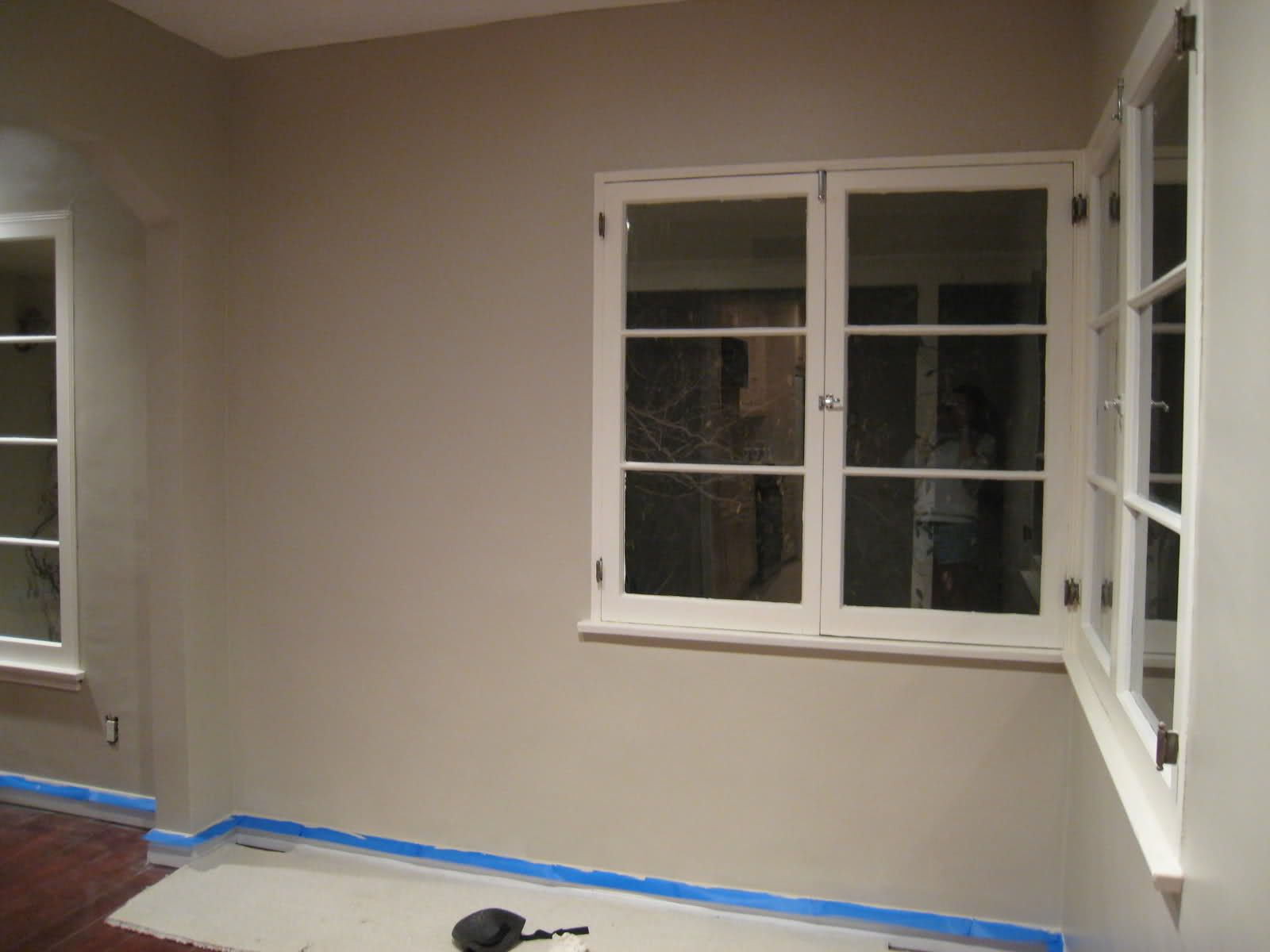 Benjamin Moore Smokey Taupe With Images Family Room Paint