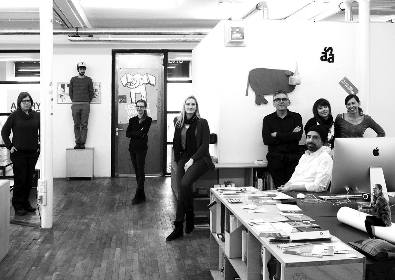 INSIDER DORNBIRN: SÄGENVIER Das Dornbirner Büro Sägenvier macht Designkommunikation. Mehrfach preisgekrönt und mit einem Kundenportfolio von Vorarlberger Landesregierung bis Designforum.