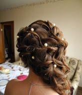 свадебная прическа, прическа на свадьбу, невеста, прическа с косами, сборы невесты, свадебный стилист, стилист, свадебный макияж, нежный макияж