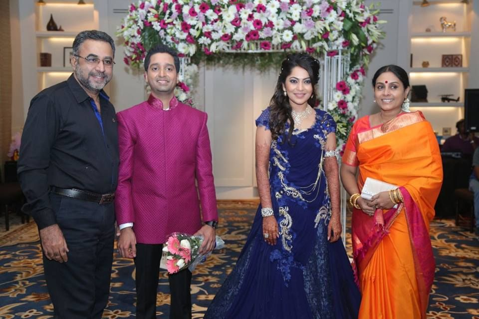 Saranya With Her Husband Ponvannan At Vj Ramya Wedding Reception
