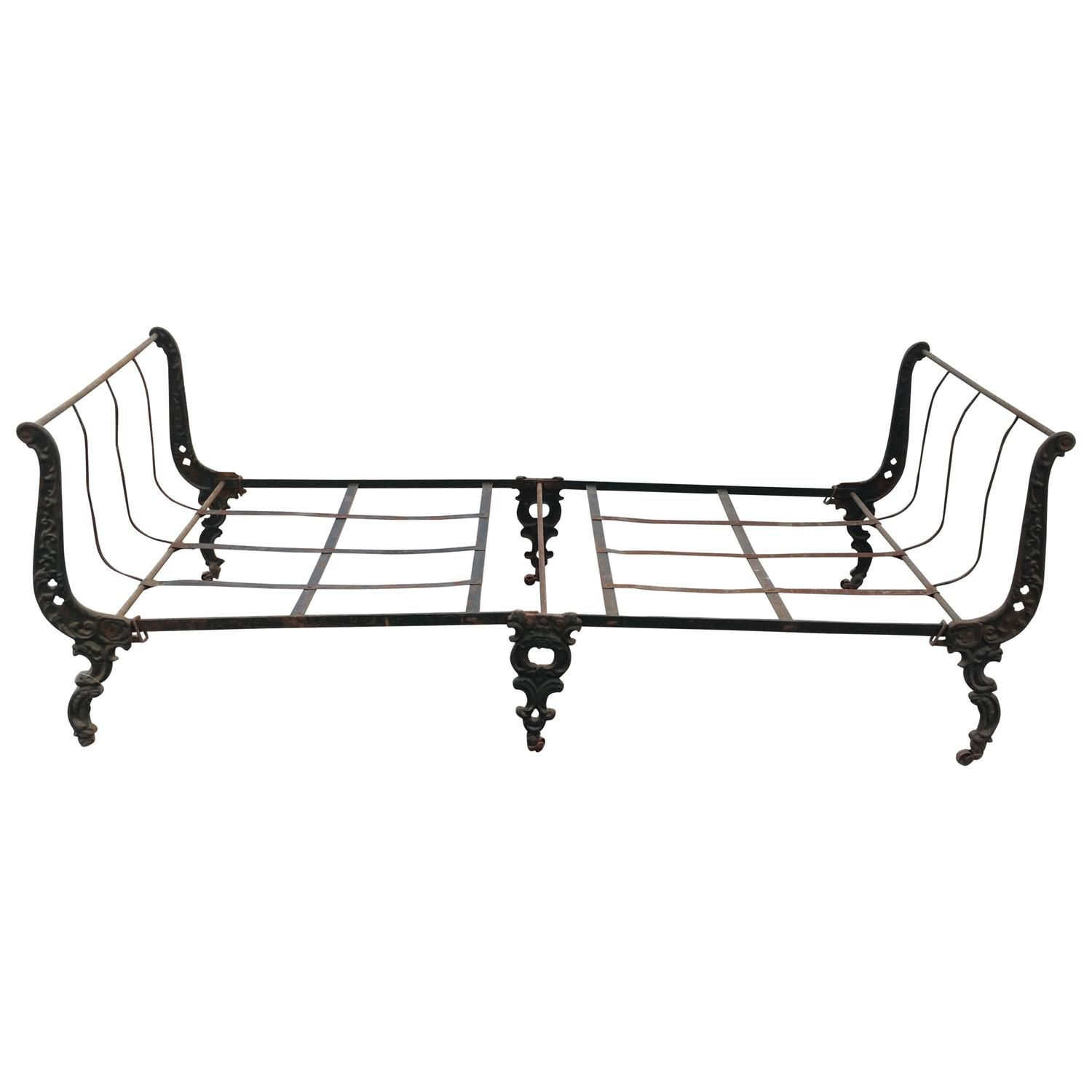 Antique french iron bed - 19th Century French Cast Iron Campaign Daybed