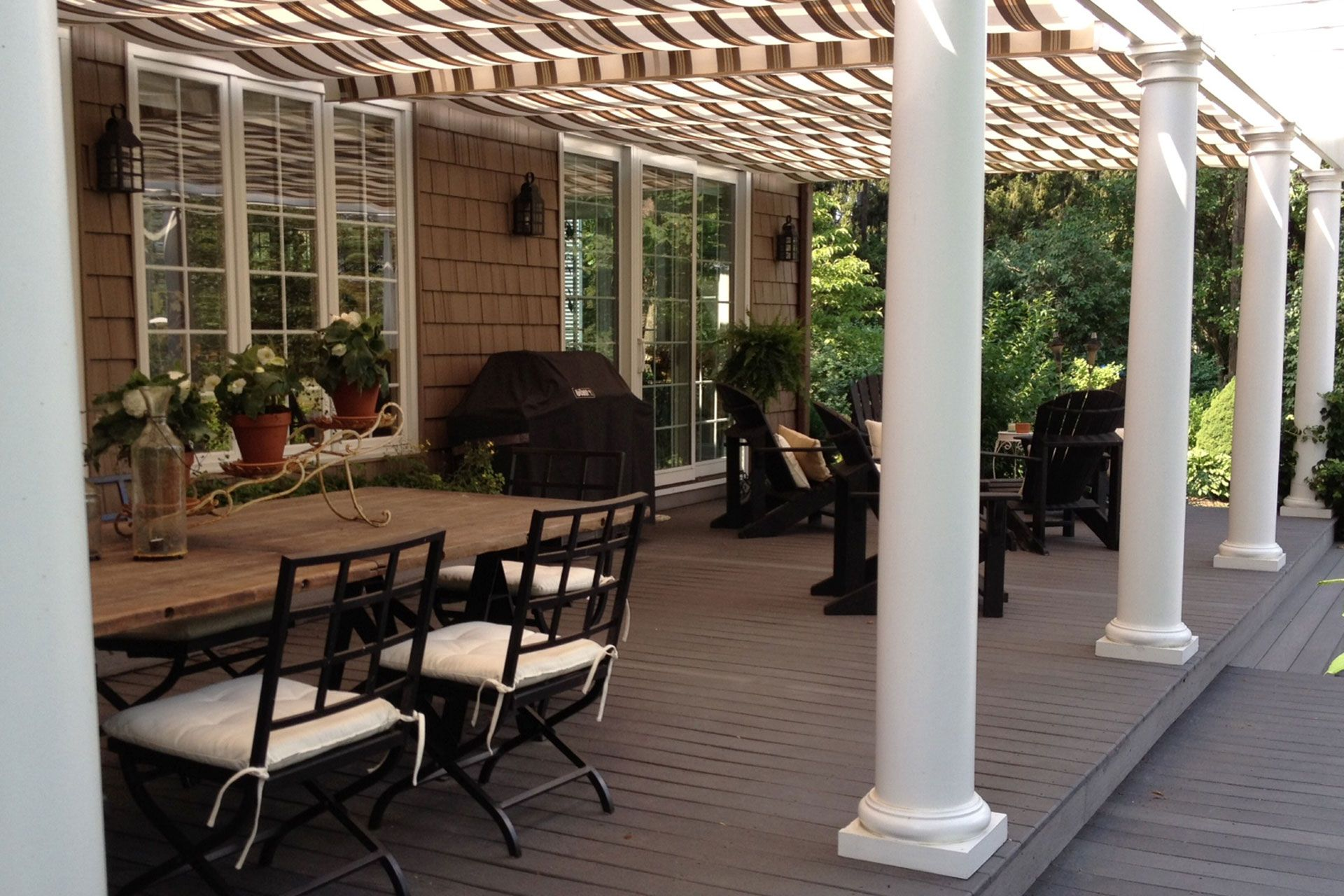 Kissing Retractable Canopies In La Porte - Shadefx Canopies
