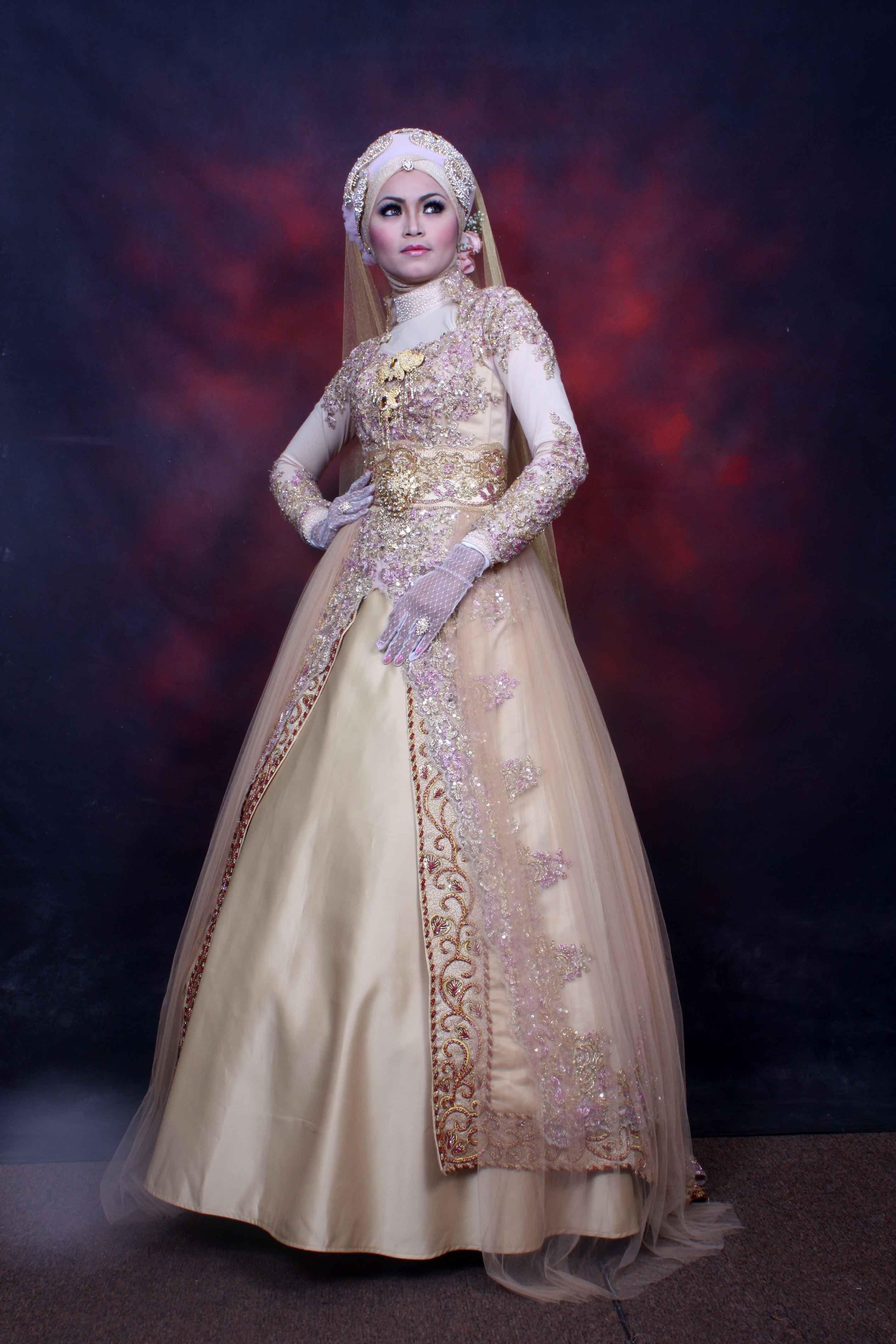 gaun pengantin wanita muslimah  Gowns dresses, Fashion, Kebaya
