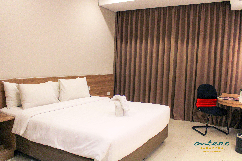 Deluxe Queen Room In Antero Hotel Jababeka Alamat Jl Benyamin