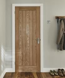 Holdenby Oak door | Internal hardwood doors | Doors \u0026 joinery | Howdens Joinery & Holdenby Oak door | Internal hardwood doors | Doors \u0026 joinery ...