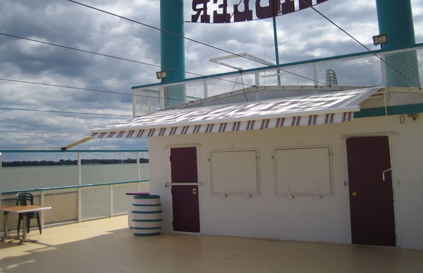 Cruize Ship River Gambler With Images Retractable Awning Awning Ontario
