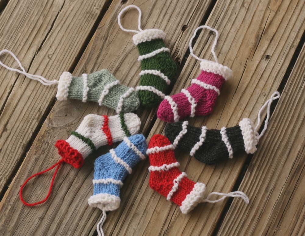 Making Minis For Christmas A Free Pattern Knit Pinterest
