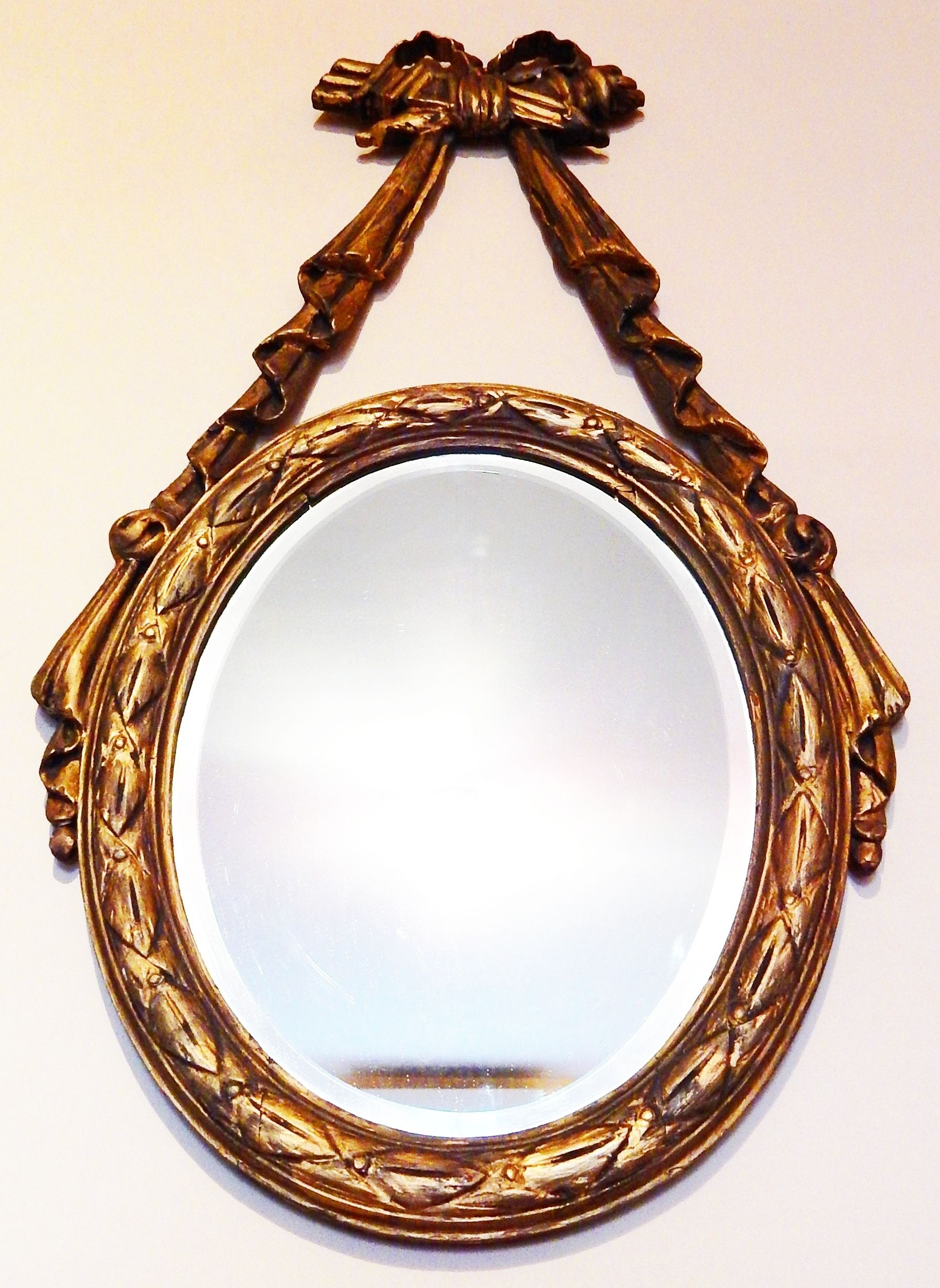 Espejo Oval biselado muy Antiguo Marco de madera dorado a la hoja ...