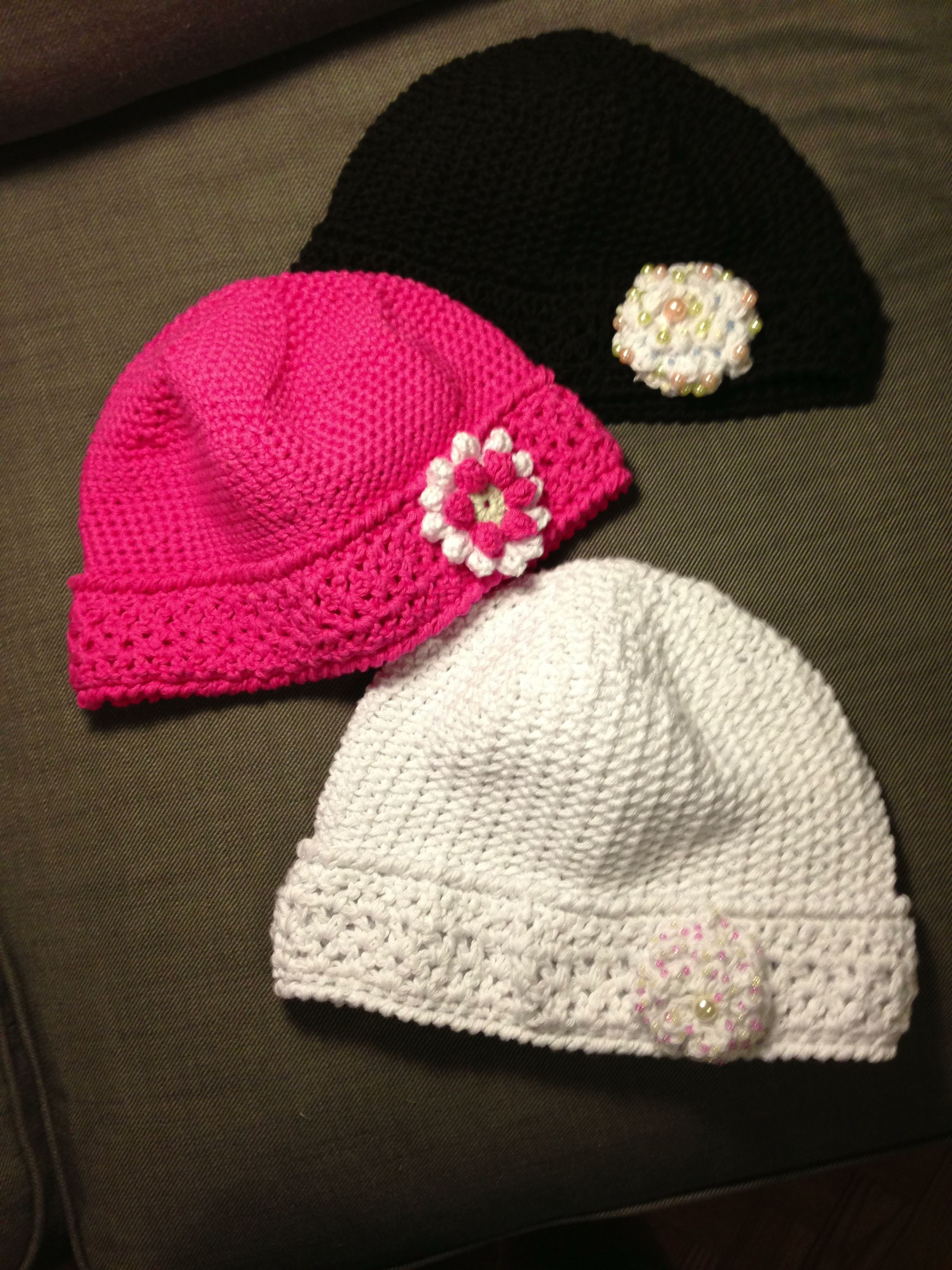 Crochet chemo cap, free pattern by red heart yarns. :-) | Ps... I ...