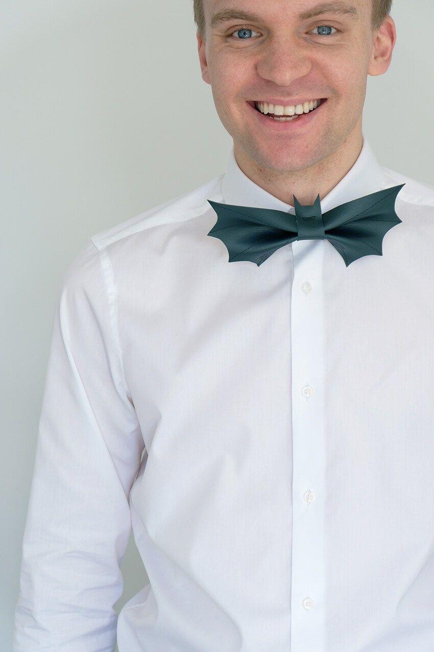 Free sewing pattern: Bat bow tie | CraftGossip 4 | Pinterest ...