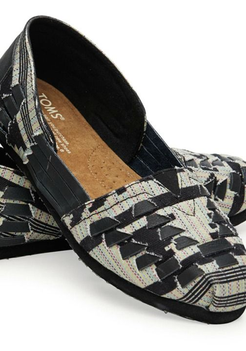 TOMS alpargatas take a bold woven pattern to adventurous new places. Where will they take you?