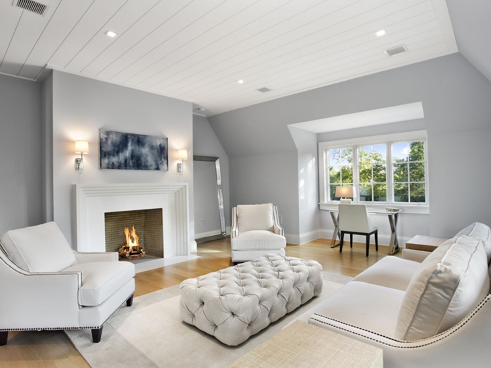 2019 year for lady- Room Sitting with fireplace