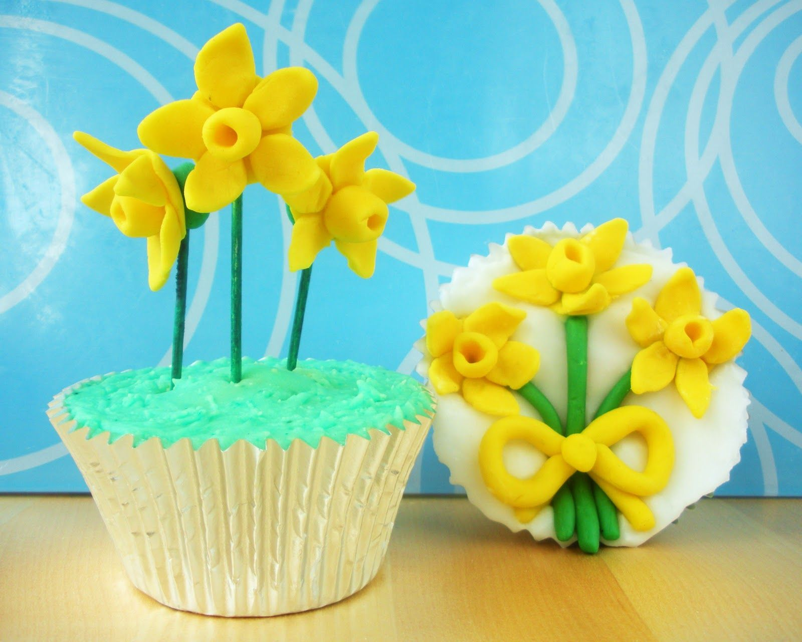 Cupcake decorating is a great hobby, and there are plenty of things you can make without having to invest in expensive cake decorating equipment - as theselovely daffodil cake decorations show. Description from cre8tive.hubpages.com. I searched for this on bing.com/images