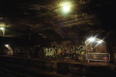 El ayer de la estación de Chamberí durante su abandono. Foto haz-turismo blogspot.com