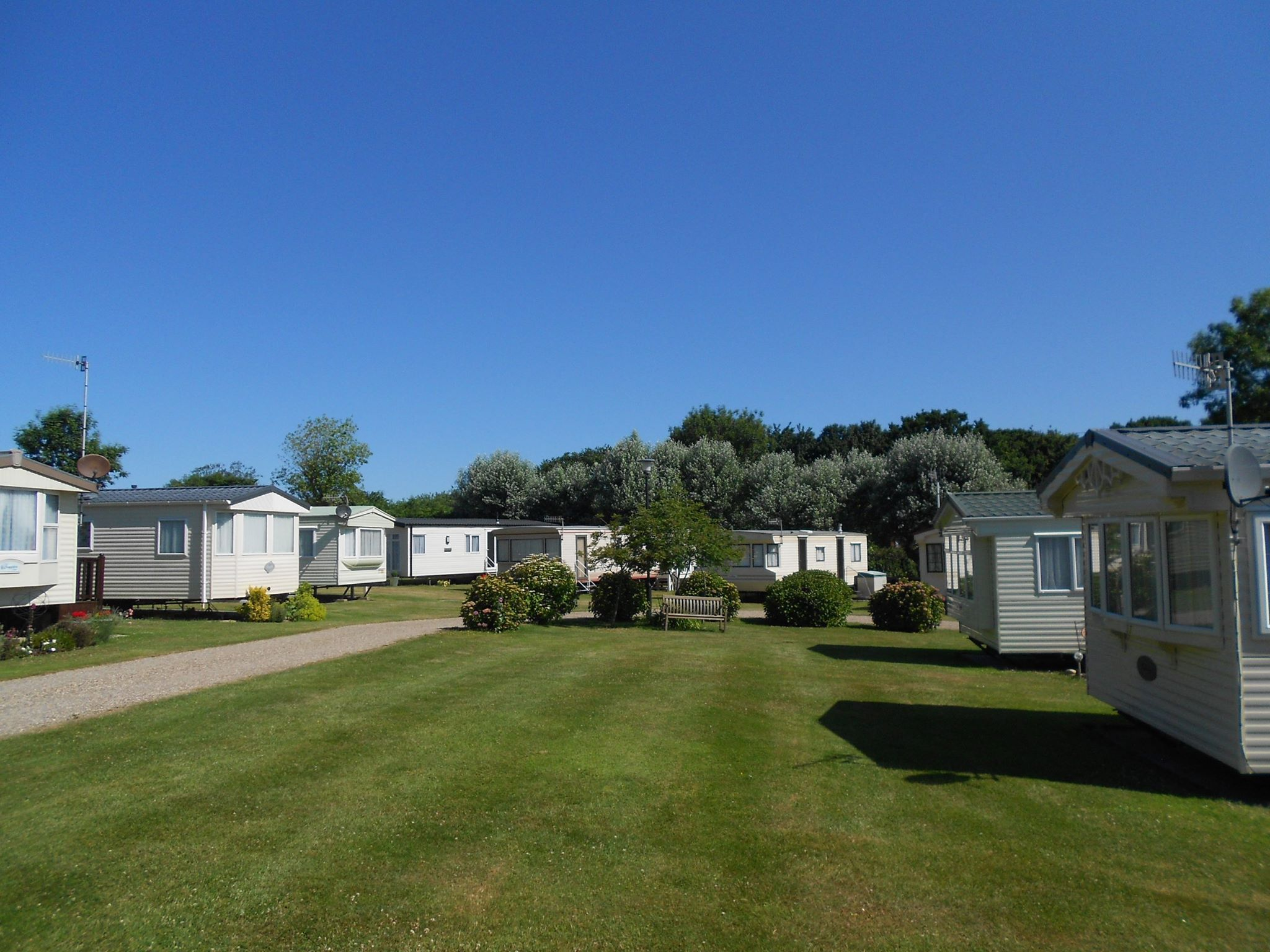 Poplars Caravan Chalet Park Is In A Lovely Part Of Norfolk At East Runton Near Cromer The Park Has Tast In 2020 Seaside Cottage Holiday Cottage Holidays In England