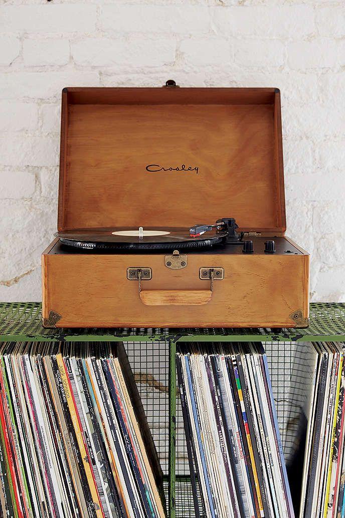 Crosley Uo Exclusive Keepsake Wood Av Room Portable Usb