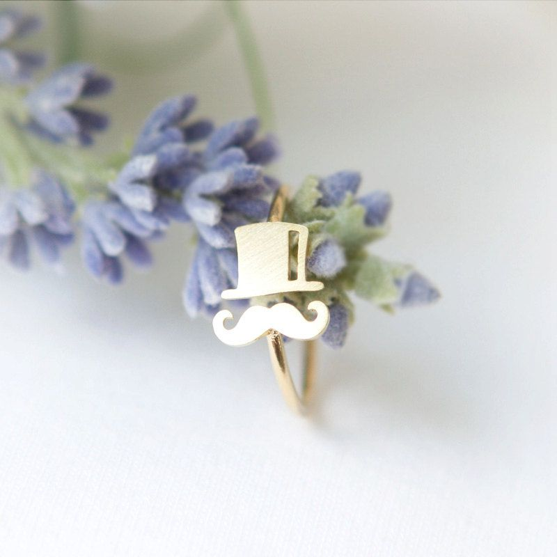 Mustache and Top hat ring in gold / adjustable ring