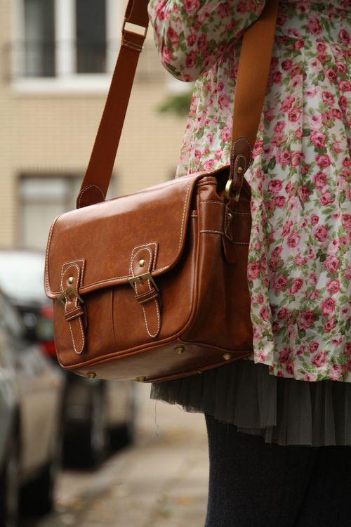 Must Have A Brown Vintage Satchel Bag Brown Leather Satchel Fashion Bags Brown Satchel