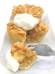 Kleine Apfelkuchen mit Sahne #apfelmuffinsrezepte