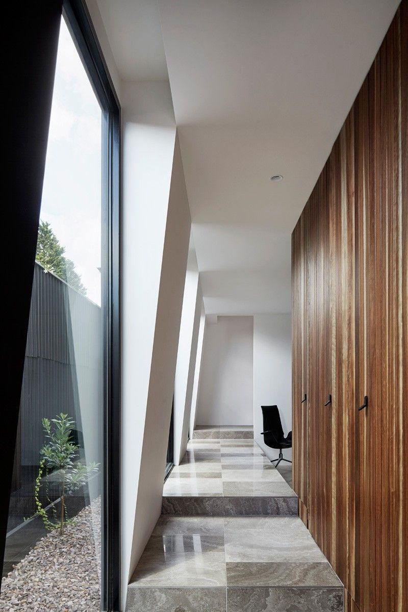 Coy Yiontis Architects have designed a contemporary renovation and ...