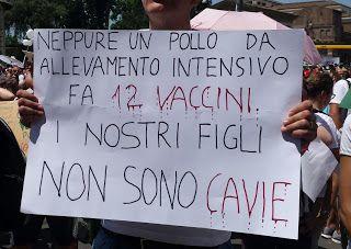 VISTO DAL basso    : SOCIETA' Corteo per i vaccini liberi, ma sui giorn...