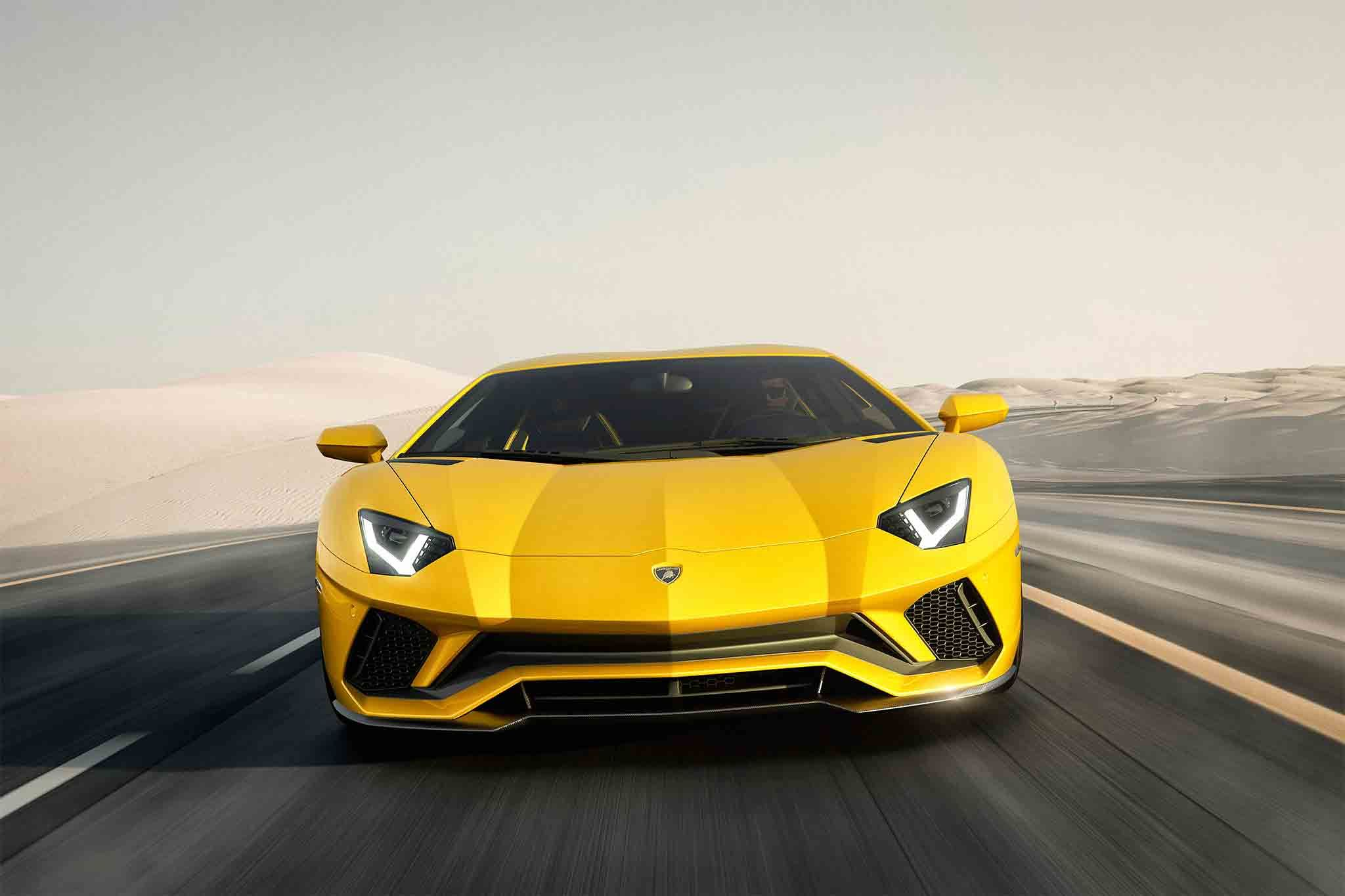The Lamborghini Aventador S ramps up the power and chis tech on lotus elise roof, ktm x-bow roof, fiat 500x roof, bugatti veyron roof, porsche boxster roof, nissan leaf roof, jaguar xj roof, maybach roof, bmw m3 roof, caterham 7 roof, jeep wrangler roof, volkswagen golf roof, dodge ram roof, honda accord roof, ferrari 458 spider roof, ford mustang roof, porsche 918 roof, ariel atom roof, jeep grand cherokee roof, porsche panamera roof,