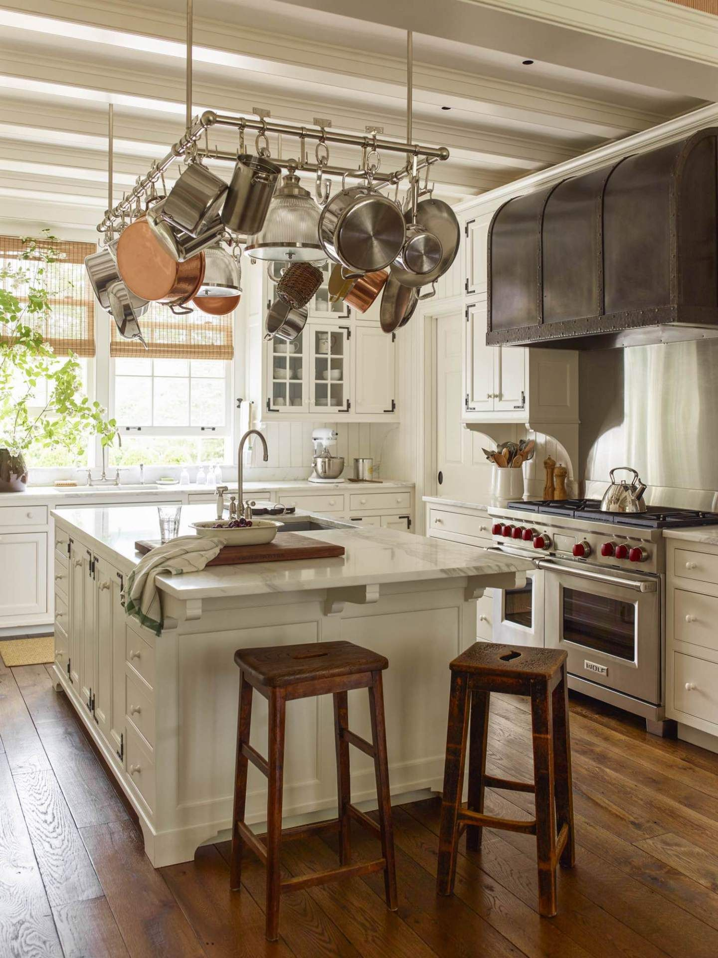 A Traditional And Classic Dutch Colonial In New Jersey Colonial House Interior Dutch Colonial Homes Colonial House