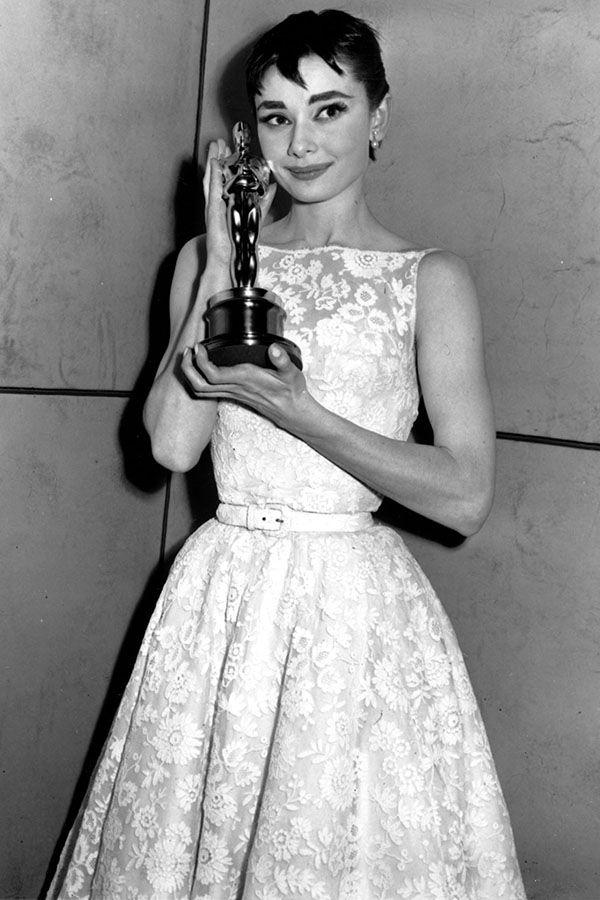 Audrey Hepburn 1953 Roman Holiday Givenchy Best Oscar Dresses Oscar Dresses Audrey Hepburn Oscar