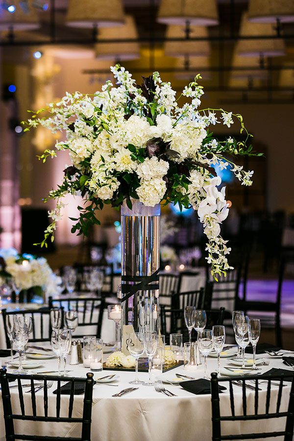 Stylish Black And White Wedding Centerpieces Table Decor