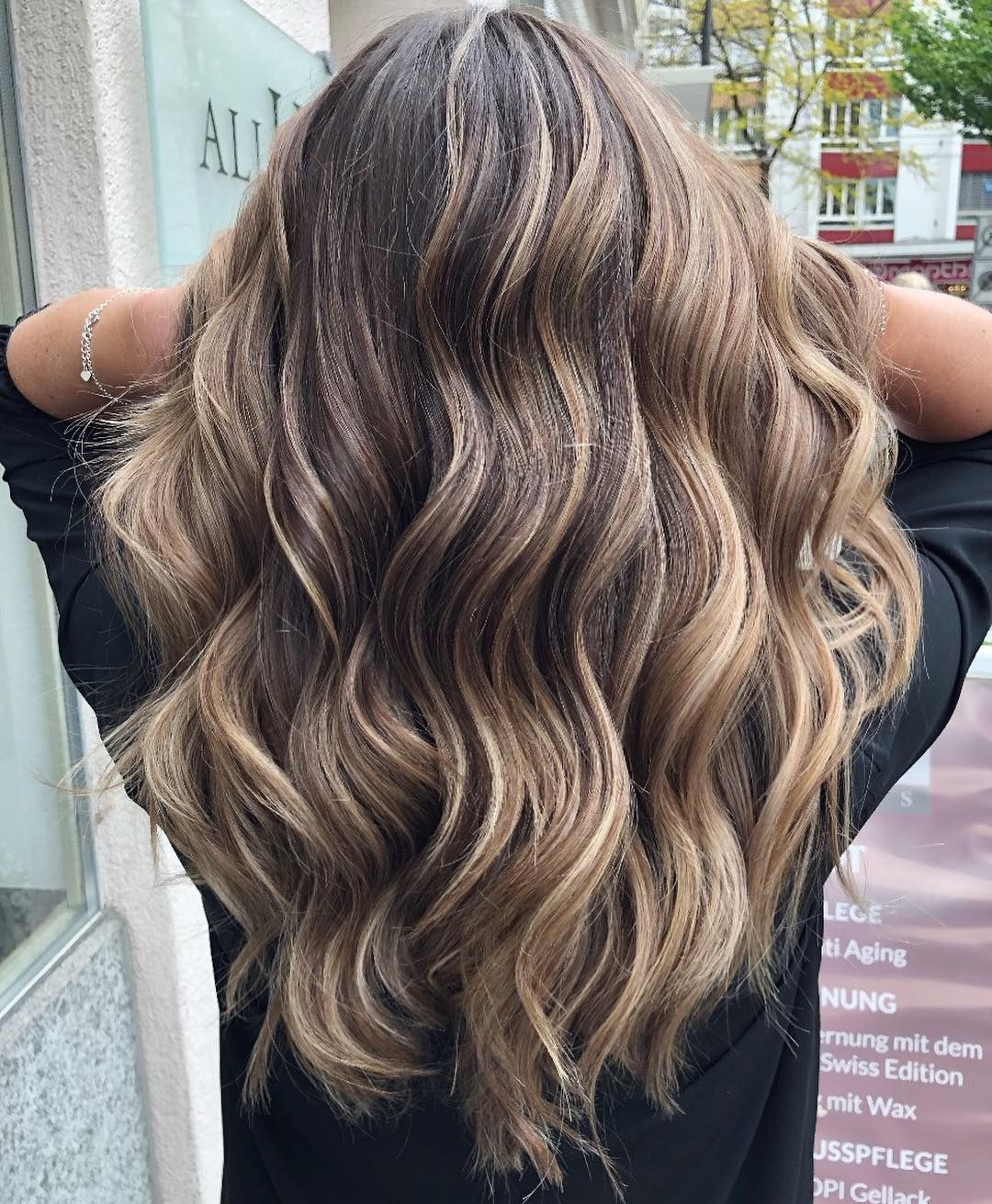 New The 10 Best Hairstyles Today With Pictures Sia Sche Balayage Hairtrends Hair Color Hairstyles H Pretty Hairstyles Cool Hairstyles Hair Styles