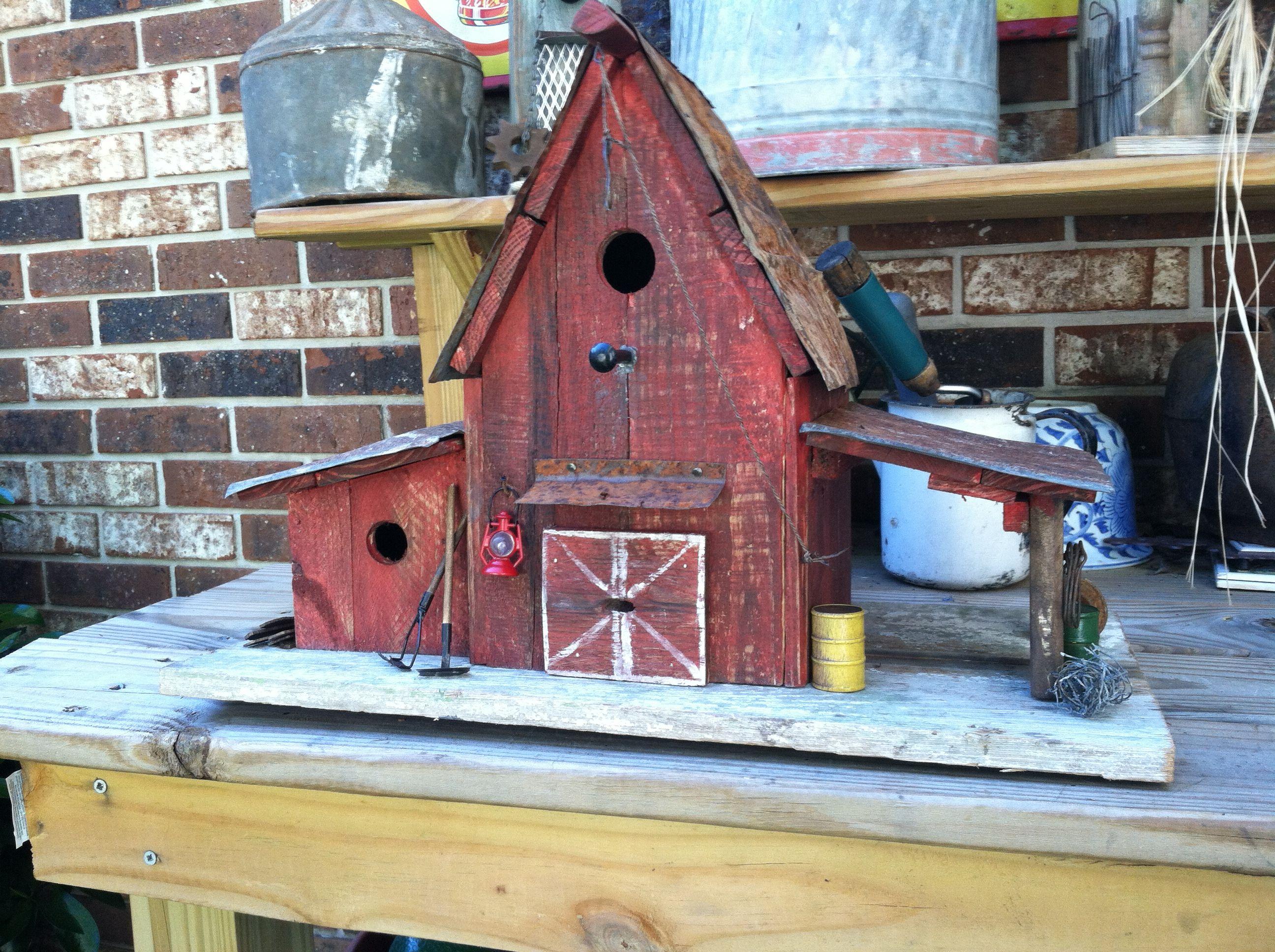 Farm House Birdhouse made from pallets | Bird houses, Bat ...