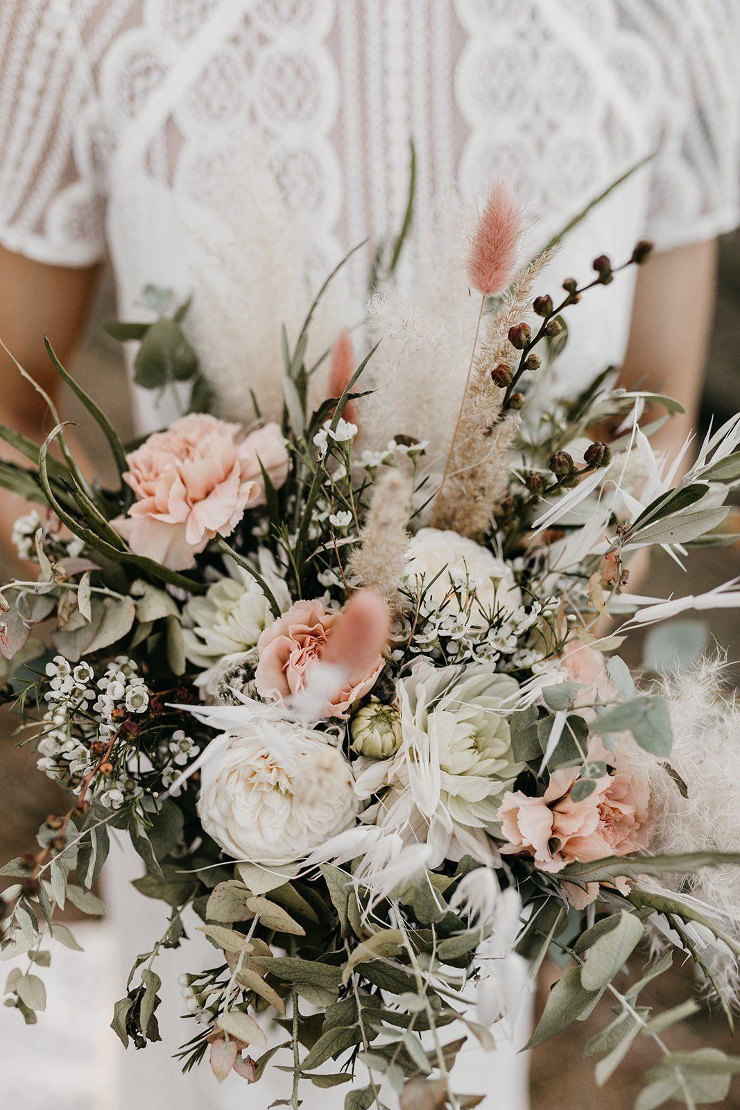 Was Kostet Eine Hochzeit Iv Brautstrauss Und Floristik Fraulein K Sagt Ja Brautstrauss Eine In 2020 Unique Wedding Flowers Flower Bouquet Wedding Bridal Bouquet